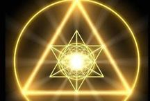 V I S I O N S / Meditation. Visions. Universal understanding. Symbols.