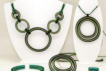 Bisuteria Grao-Gayoso Varios / Nuestra bisuteria de acetato la diseñamos y elaboramos artesanalmente.
