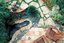 Artful Gardens & Garden Art / Gardens that go beyond & art in the garden