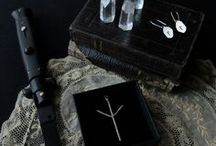 under the pyramids / Portable magick by under the pyramids. Sterling silver jewels handmade in Paris.