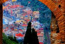 Around The World / Pinning travels and adding our own :)