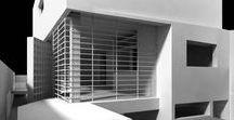 Residência Guarulhos / Extenso programa em pouco espaço. Preservar a edícula existente fez o projeto se organizar em 3 pavimentos. A área social orienta todo o convidativo térreo e, preservado dos vizinhos, o lazer ocupa o terraço.