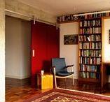 Apartamento Pinheiros / ODVO e mínima | Reformado para integrar espaços e estimular o convívio. Um apartamento típico dos anos 1970 transformado para abrigar o modo de vida contemporâneo de sua jovem proprietária e seus muitos livros.