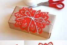 I love Christmas presents! / Wrap beautiful presents + anything and everything about Christmas :)