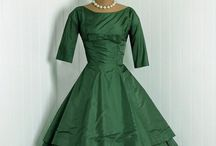 Elegant and Classy Clothes That Work For Baby Boomers / Clothes and Shoes and apparel that stand the test of time