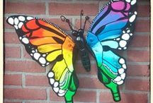 Vlinders, tuinvlinders, muurvlinders, tuindecoratie / Vlinders van metaal handgemaakt Formaat 50x55cm groot voor binnen of buiten. www.creativeartbyjessica.nl te koop voor €50 en 2 voor €95