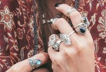 Accessories...Oh my! / by Justine Herving