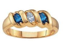 Jewellery  / So many rings, so few fingers...
