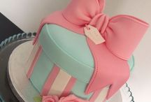 Bow & Gift Box Cakes