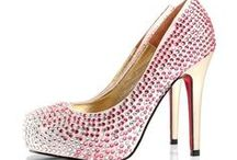 Women's Fashion Shoes / by Donna