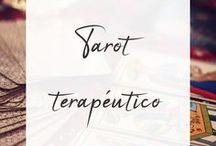 Tarot terapéutico / Apuntes, imágenes y reflexiones sobre el tarot con fines terapéuticos. El tarot terapéutico no buscar predecir sino conocerse más a uno mismo y en consecuencia tomar mejores decisiones #TarotTerapéutico #TarotMítico #autoconocimiento