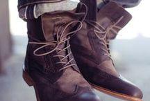 Urban Winter ✦ Men / Boots for Men - moderne, straßentaugliche Winterschuhe für den Mann. Bikerboots, Schnürboots, Stiefeletten & Co. nehmen einen wichtigen Platz in der Männermode ein. Gut kombiniert werten sie jeden Look auf! Egal ob elegant unter dem Anzug oder lässig zur Jeans - Boots gehören in jeden Männer-Schuhschrank