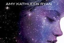 Könyv - Ragyogás sorozat / Sky Chasers by Amy Kathleen Ryan #1 Glow #2 Spark #3 Flame