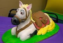 Horse Decorated Foods / okay, so it's mostly cakes, cupcakes, cookies, candy...and, they aren't all horses / by Horse Interests