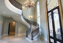 Hall de entrada, escadas e corredores