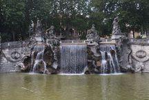 Fontana dei dodici mesi / La fontana di Ceppi, con sculture di Rubino e Contratti, venne inaugurata nel 1898 per l'esposizione nazionale.