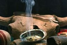 SMUDGING / SMUDGING, the common name given to the Sacred Smoke Bowl Blessing, is a powerful Native American cleansing ritual to remove negative energy.