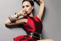 Red Fashion Photo / The passion of red fashion, great photographic and editorial compositons.