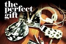 #ThePerfectGift / Finding #ThePerfectGift every year seems impossible. Surprise your best friend with a trendy accessory to show off during the holidays!
