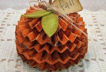 Paper Autumn Projects / Paper Autumn Decor ideas, pumpkins, leaves and more