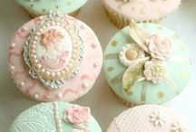 Cupcakes / Cupcakes stretch the imagination.  Little works of confectionery art.
