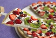Wiosenne desery / Wiosna to czas pierwszych truskawek, kwiatów i jasnozielonych roślin. Wszystko budzi się do życia. Zobaczcie, jakie wiosenne desery można wyczarować! :)