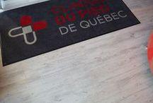 Clinique du pied de Québec / Vinyle de notre Collection maison. Très tendance et résistant. Idéal pour les boutiques et salles de montre.
