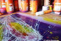 In Cynthia's studio / L'univers de mon atelier et les peintures que j'y crée.
