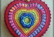 Hearts / Handmade hearts: wood, crochet, fabric...