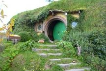 Middle-Earth / Everything Tolkien related: LOTR and The Hobbit.