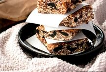 Granola Bars and Energy Bars and Bites / Yummy healthy snacks to boost your energy.
