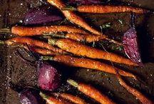 Rezepte: Ofengerichte || Oven Baked Recipes / Gemüse schnippeln, aufs Backbleck, mit Öl beträufeln, backen. Pasta kochen mit Hühnchen, Sahne,  Gemüse und viel Käse überbacken. Pommes, Ofenkartoffeln, Nudelauflauf, Casserole, Vegetarisch, mit Fleisch oder Fisch, als Sonntagsbraten oder pulled pork. Das sind Ofengerichte. Manchmal schnell und einfach und immer unglaublich lecker. Habe ich schon viel Käse darüber streuen erwähnt?