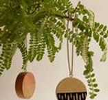 Meri Kirihimete / A collection of Christmas decorating inspiration – simple ways to make your Christmas beautiful, from table to tree. And of course, we're all for celebrating handmade too!