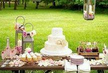"""Weddings / Raffinati, eleganti, curati nel minimo dettaglio i matrimoni """"Orti & Commenda"""" si distinguono per lo stile e per i materiali utilizzati. Lini grezzi, juta, cotoni a trama grossa, pizzi d'epoca, panno, corda , legno, fiori di campo, ogni scelta concorre a creare una scenografia unica e indimenticabile."""