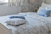 Country Bedrooms / Bedroom style for rooms in country homes. Ideas and inspiration for country inspired bedrooms. Floral or stripey, rustic or romantic, cottage or farmhouse.