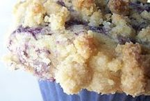 Cupcakes, muffins, and breads / by Melinda Hendrix