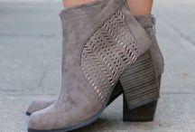 Fancy Feet / by Nicohle Mackey