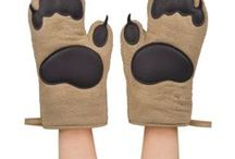 Funny oven mitts / pot holders