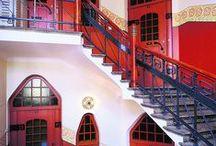Doors, hall- and stairways / enter