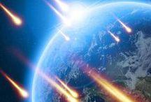 Globe, Sky & Space / thunder and lightnig & glouds