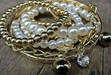 SK Śperky, náramky, náhrdelníky z minerálnych kameňov a polodrahokamov . / Šperky z minerálnych kameňov sú jedinečné, ktoré Vás sprevádzajú na  ceste za Vašim úspechom. Sila Pyramidy Vám ponúka široký výber šperkov