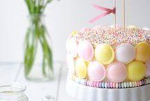 Kuchen-Dekoration / Was man aus Fondant, Marzipan, Sahne & Co. alles machen kann: Lasst euch beim Backen inspirieren - wunderschöne Kuchen Deko