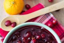 Thanksgiving Dinner Rezepte / Wie man den Turkey knusprig bekommt, welche Cranberry Sauce die Beste ist und Rezepte von Peacan Pie bis Pumpkin Pie plus hübsche Tischdeko - die Gäste können kommen.