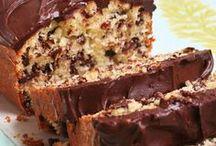 Cakes / by Dawn Hilton