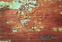 Patina by Restyle Junkie / Rusty, copper and bronze patina projects all done with Modern Masters Metal Effects.