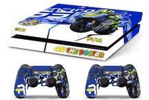 PS4 SKIN COVER / Personalizza la tua PS4 con le skin adesive GamesMonkey, facili da applicare, personalizzate, stampate in qualità fotografica HD.