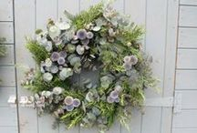 Festive Wreaths and nature inspired decorations / Selection of my favourite wreaths and decorations from fellow growers and the web.