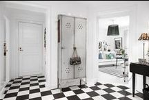 HOME / Hallway