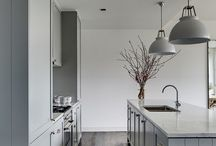 Kitchens / by Jacqui Joubert