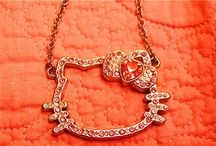 NECKLACES / CHAIN/STATEMENT/FLOWERS/GOLD/SILVER/CHANEL/SKULL/HEARTS/KEYS/OWLS/TRIANGLE